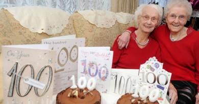 توأم بريطاني مئوي يكشف سر العمر المديد