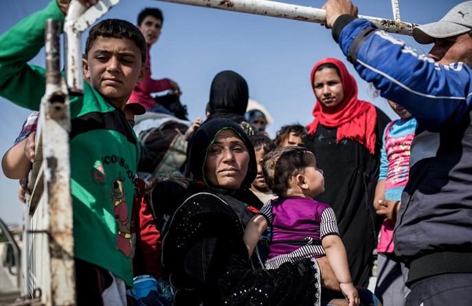 """نقص المواد الغذائية يهدد عراقيي الموصل بـ""""الجوع"""""""