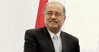 انقلاب سيارة موكب رئيس الوزراء المصري
