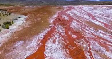 """بالفيديو: تعرف على """"بحيرة الشيطان"""" الملعونة في تشيلي"""