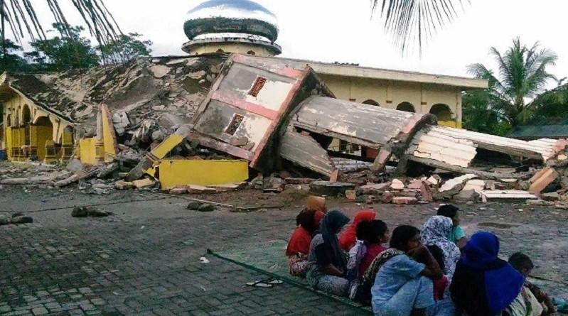 مقتل 97 شخصًا جراء زلزال في إندونيسيا