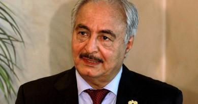 حفتر بالقاهرة لبحث التطورات في ليبيا