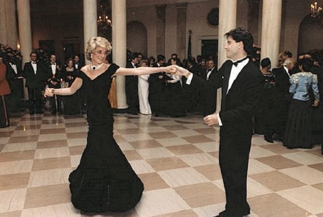 فى الذكرى العشرين لوفاتها ... معرض لفساتين الأميرة ديانا