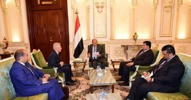 هادي يؤكد أهمية دور روسيا في تحقيق السلام في اليمن