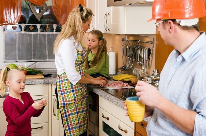 ممارسة الأعمال المنزلية تجنبك الأزمات القلبية وتساعد على شفاء المرضى