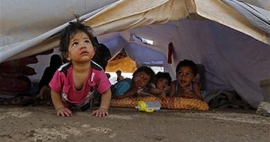الحرب هاجس أطفال الموصل النازحين رغم ألعابهم المرحة