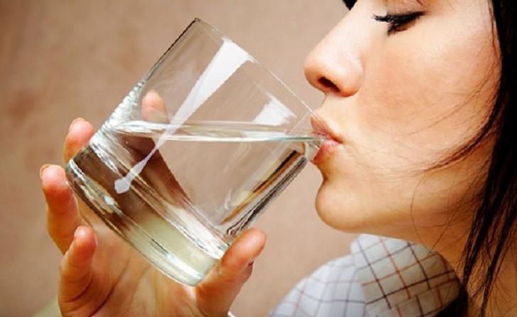 4 علاجات منزلية طبيعية وفعالة لحرقة المعدة