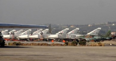 سوريا تنقل مقاتلاتها إلى مطار حميميم تحسبا لأي ضربة أمريكية جديدة