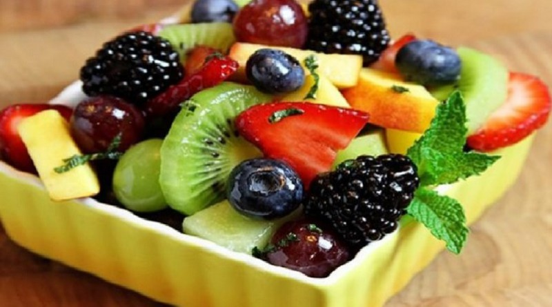 دراسة: تناول الفواكه الطازجة يوميا يحد من السكري