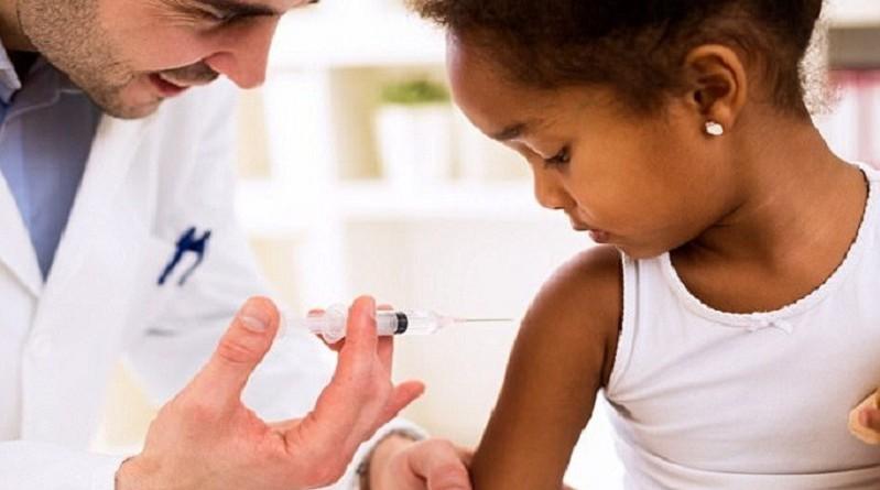 الصحة العالمية: توفير أول لقاح في العالم ضد الملاريا بحلول 2018