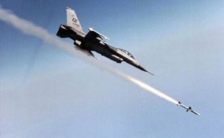 """""""روسيا اليوم"""": غارات عراقية على مدينة """"البوكمال"""" السورية"""