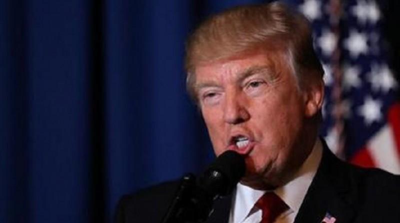 """ترامب يلمح إلى نفاد صبره مع كبير استراتيجي البيت الأبيض """"بانون"""""""