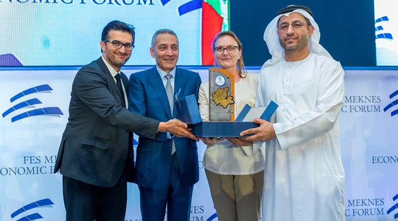 سعادة ماجد المنصوري يتسلم جائزة ضمن فعاليات منتدى فاس مكناس الاقتصادي بالمغرب