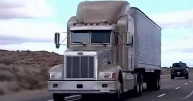 لن تصدق ماذا ينقل الأمريكان في هذه الشاحنات