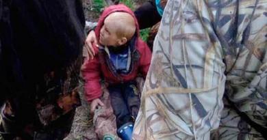 بالفيديو: العثور على طفل مفقود في غابة روسية