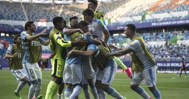 أوروجواي تتأهل لنصف النهائي كأس العالم بعد الإطاحة بالبرتغال