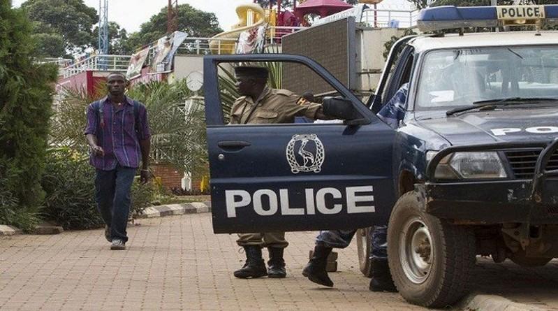 احتجاز 20 شخصا رهائن في مقديشو بعد هجوم انتحاري