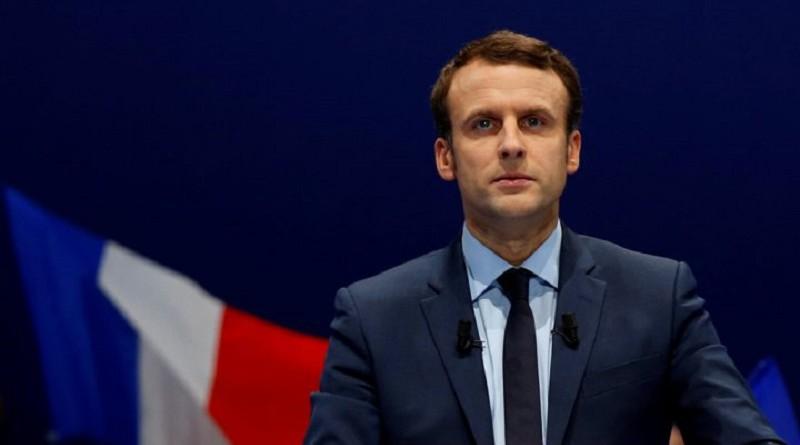 ماكرون يدعو الجزائر للسعي لحل الأزمة في مالي