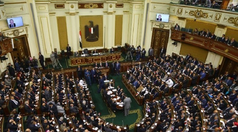 """البرلمان المصري يقر اتفاقية """"تيران وصنافير"""" مع السعودية"""