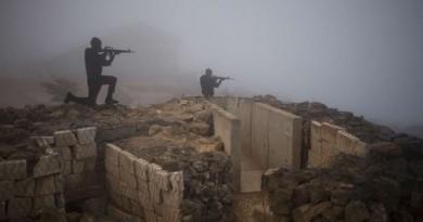 """دولارات إسرائيلية وأسلحة وذخائر إلى """"المعتدلين"""" في سوريا!"""