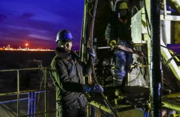 وزير: كازاخستان ستمتثل لاتفاق النفط العالمي في يونيو ويوليو