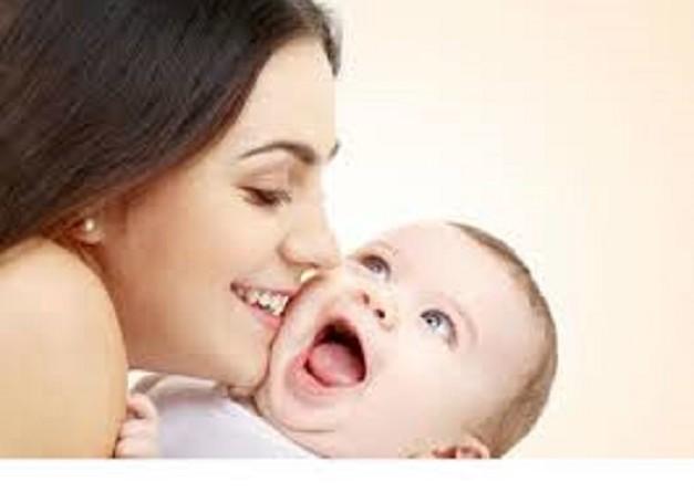 دراسة: الرضاعة الطبيعية تقلل احتمالات الإصابة بسرطان جدار الرحم