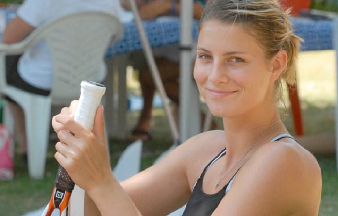 اللوكسمبورجية ماندي مينيلا تشارك في بطولة ويمبلدون وهي حامل