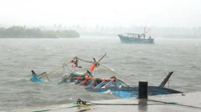 بسبب سيلفي.. مصرع 3 وغرق 5 انقلاب قاربهم في أحد الأنهار