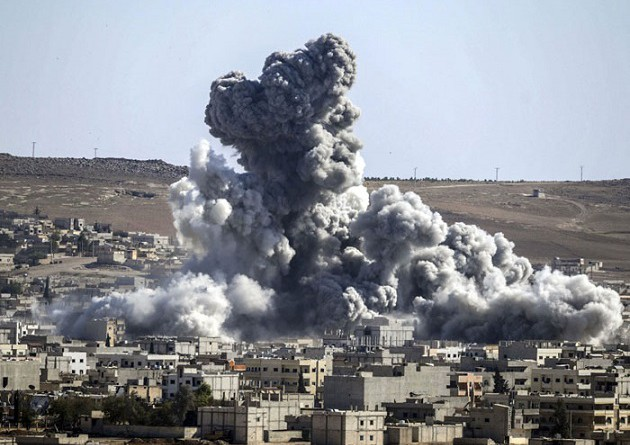 تقرير: ضربات التحالف قتلت 603 مدنيين بسوريا والعراق منذ 2014