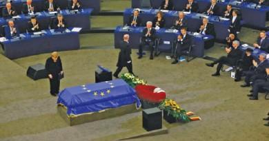 العالم و أوروبا ودّعا هلموت كول