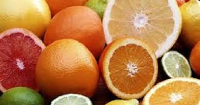 """تناول البرتقال أو الليمون يوميا يقلل فرص الإصابة بـ""""الخرف"""""""