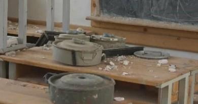 """بالصور: الانقلابيون يستخدمون مدرسة """"نجران"""" لصناعة الألغام والمتفجرات"""
