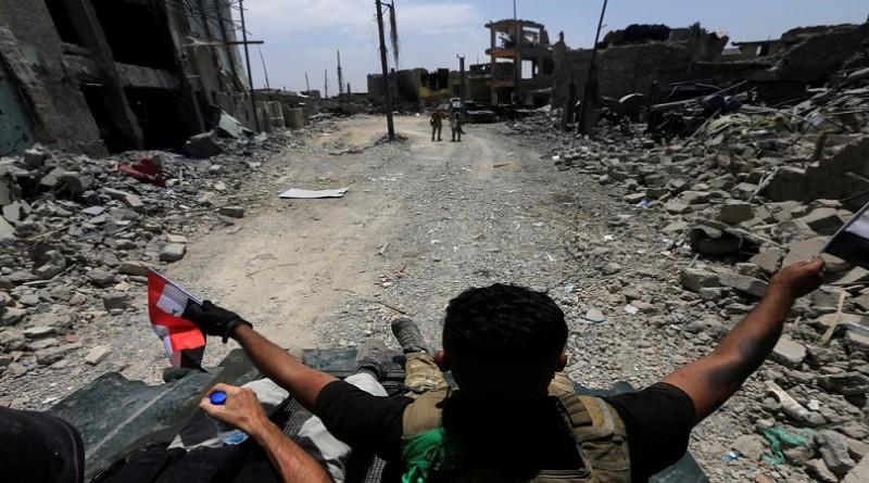 """للهرب من هزيمة وشيكة.. مقاتلو """"داعش"""" يلقون أنفسهم في نهر دجلة"""