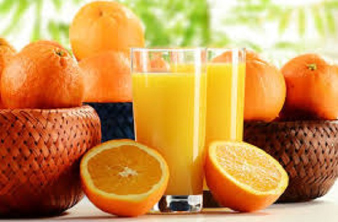 هذه الأطعمة والمشروبات تسبب الحموضة في الصيف
