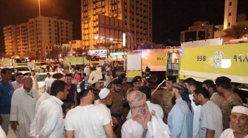 بالصور: إنقاذ 600 حاج من حريق فندق بمكة