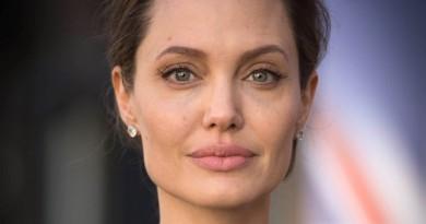 """أنجلينا جولي """"منزعجة"""" من رد الفعل العنيف على تجارب الأداء على فيلمها"""