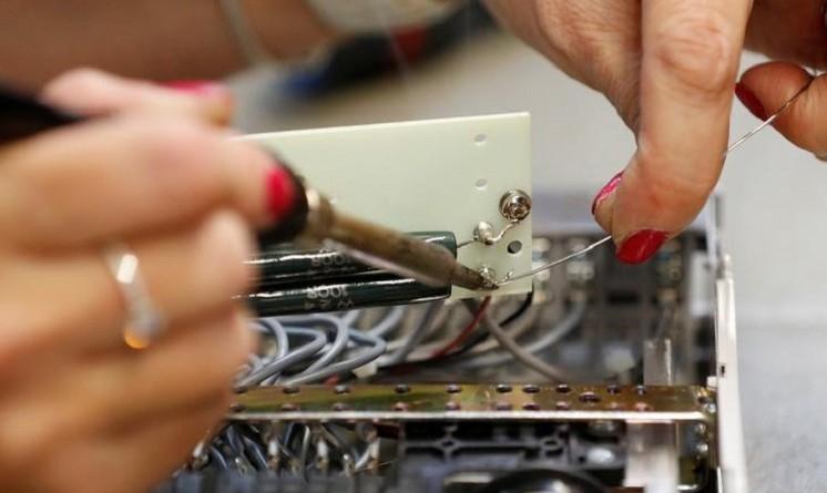 قطاع الصناعات التحويلية البريطاني يسجل أقوى نمو منذ بداية العام