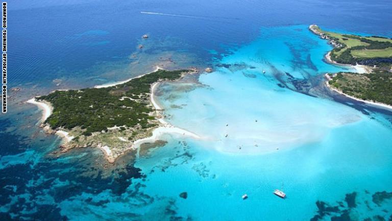 """جزيرة """"إيل بيانا"""" في فرنسا"""
