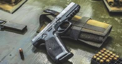 """""""كلاشينكوف"""" تطرح بديلا لمسدس """"ماكاروف"""" الأسطوري"""