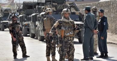 مقتل 43 جنديا بهجوم لطالبان على قاعدة عسكرية في أفغانستان