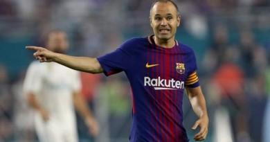 رسميًا.. إنييستا باقٍ للأبد مع برشلونة