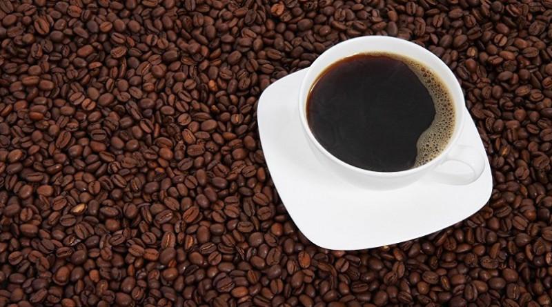 دراسة تحسم الجدل: شرب القهوة يطيل العمر