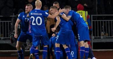 جناح أيسلندا يتطلع لتكرار الفوز على إنجلترا في مونديال 2018