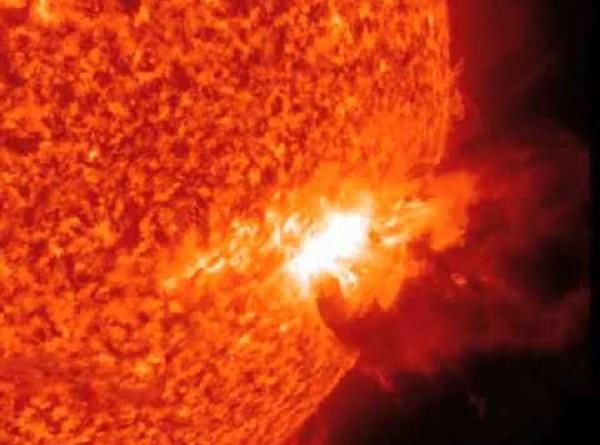 العلماء يتوقعون انفجار شمسي مدمر السنوات المقبلة
