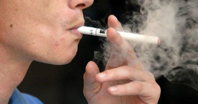 باحثون: التحول إلى السيجارة الإلكترونية قد ينقذ 6.6 مليون مدخن أمريكي