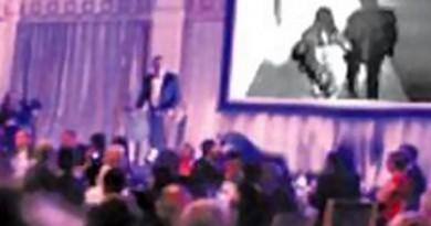 بالفيديو: عريس ينتقم من عروسه الخائنة بطريقة مثيرة في حفل الزفاف