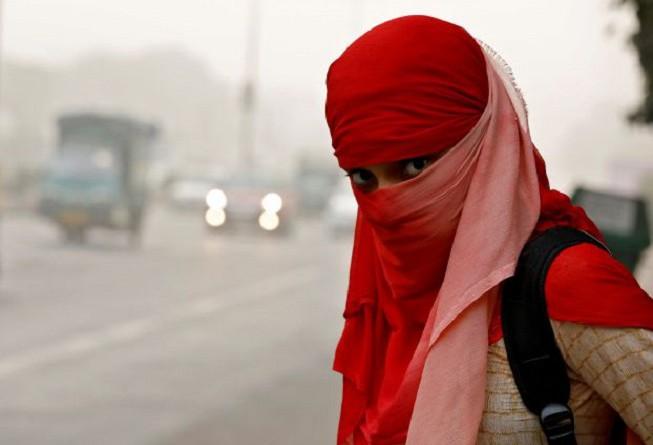 السلطات الهندية تغلق المدارس في دلهي مع تزايد تلوث الهواء