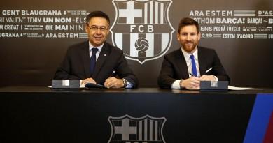 ميسي يجدد تعاقده مع برشلونة