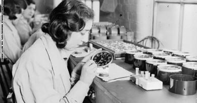 فتيات الراديوم.. نساء يعود لشفاههن الفضل باكتشاف مضار المادة المشعة!