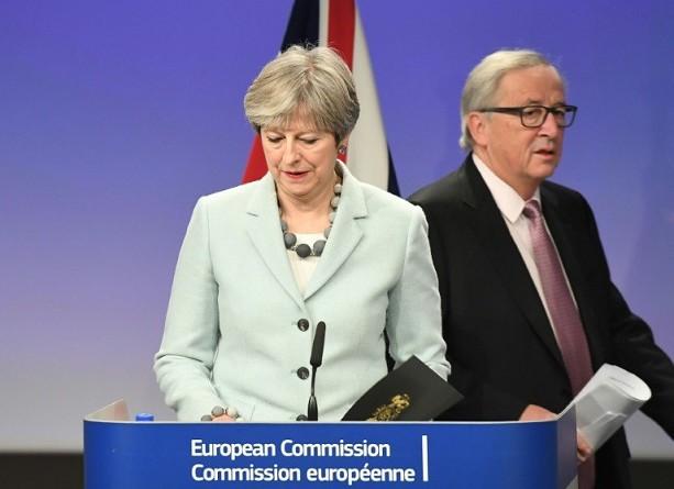 المفوضية الأوروبية تعلن التوصل إلى اتفاق حول بريكست مع بريطانيا